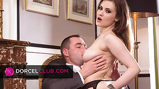 Mina Sauvage, French brunette's first DORCEL chapter