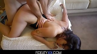 Athletic Scalding Girl Sucks Dick Before Squirting By way of Coitus